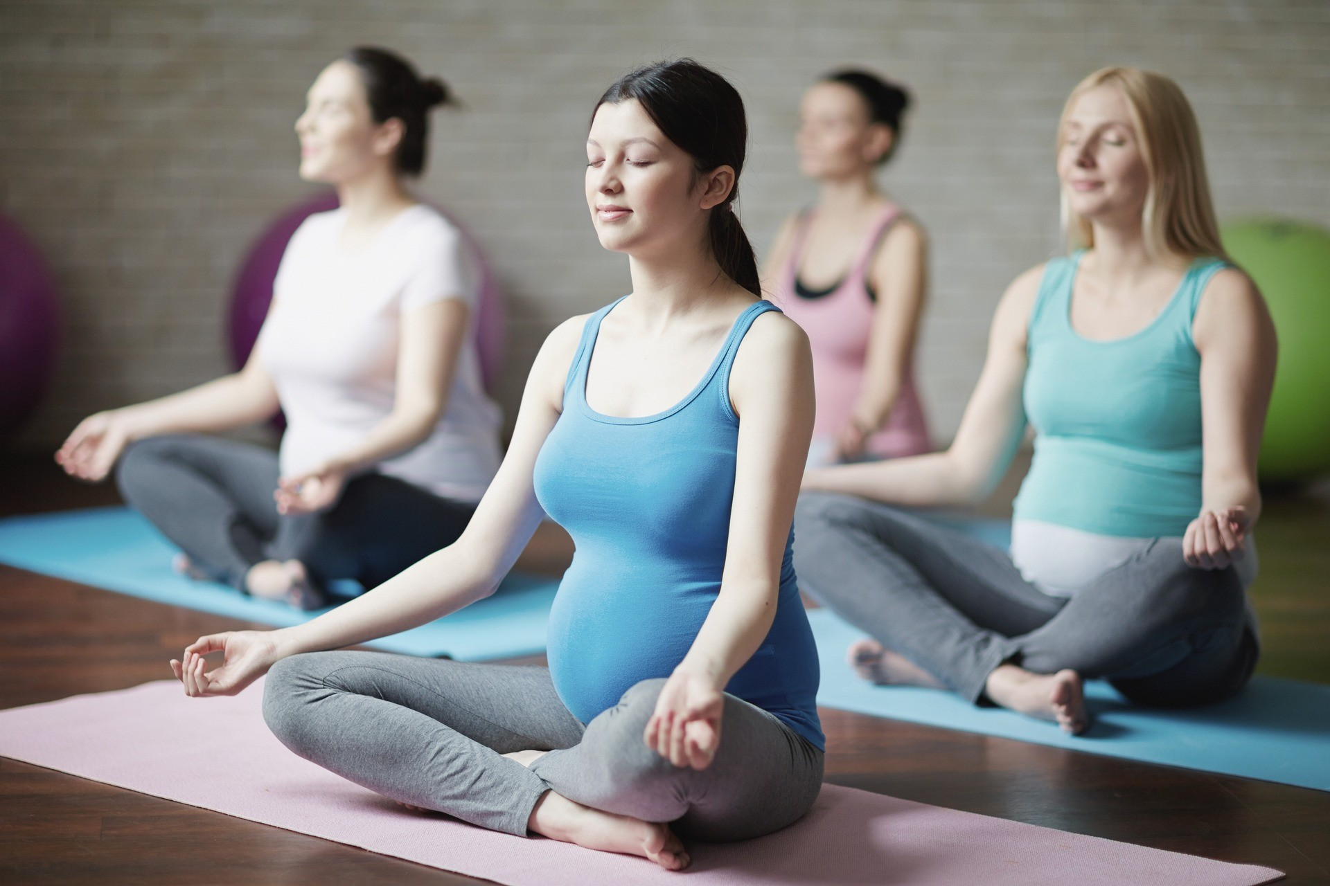 PREGNANCY YOGA - Studio P²